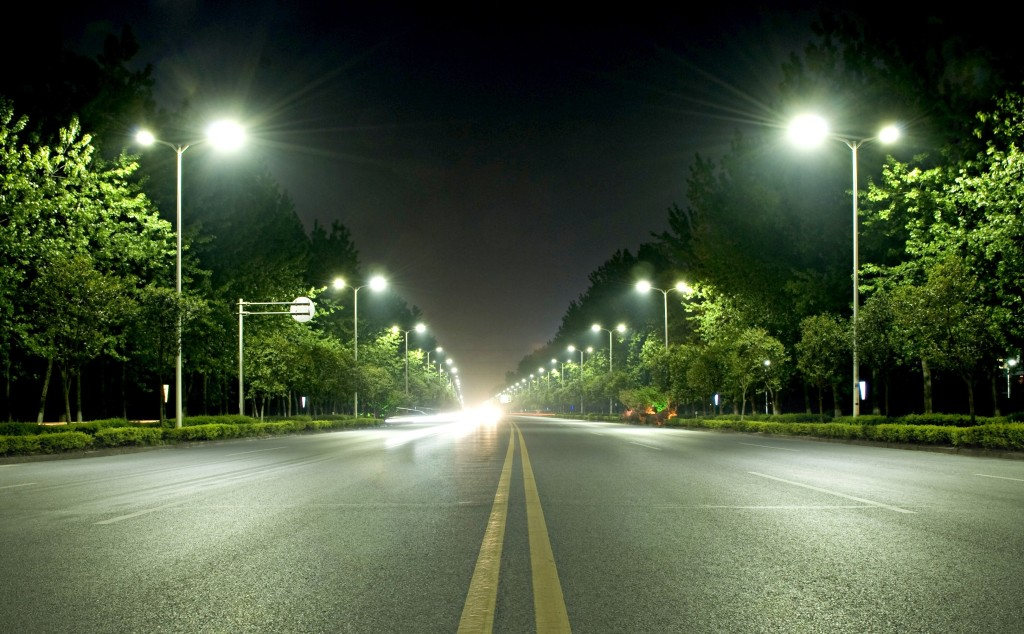 Picture1. Acrich LED streetlights covering a section of 30km on Yangpu River road in Yangzou city