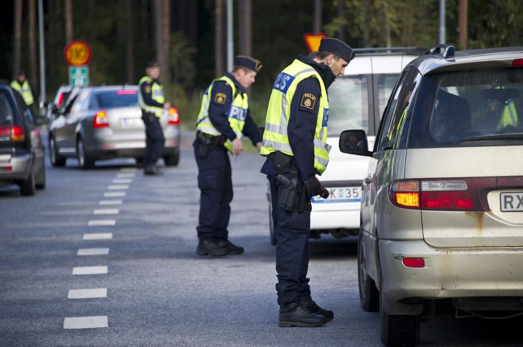 Trafikrazzia E4:an vid rastplats Mora Stenar sšder om Uppsala.