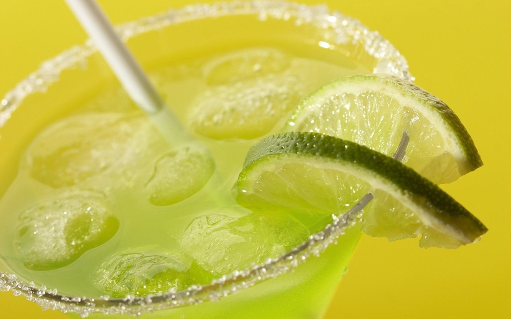 cocktails-drinks-lime-ice-cubes-1920x1200