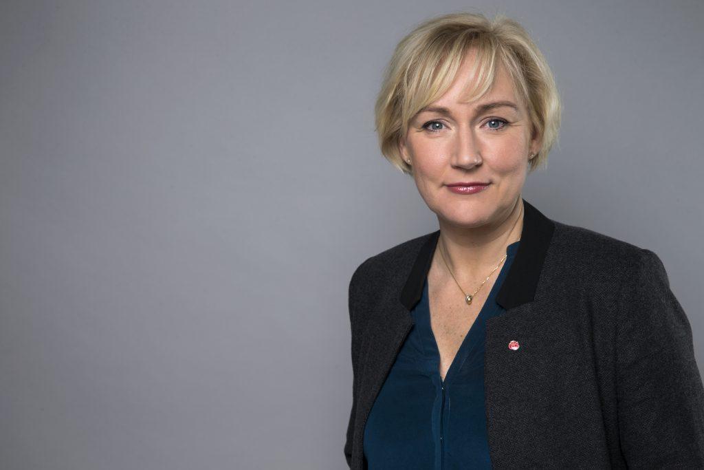 Minister för högre utbildning och forskning Statsråd Helene Hellmark Knutsson Utbildningsdepartementet