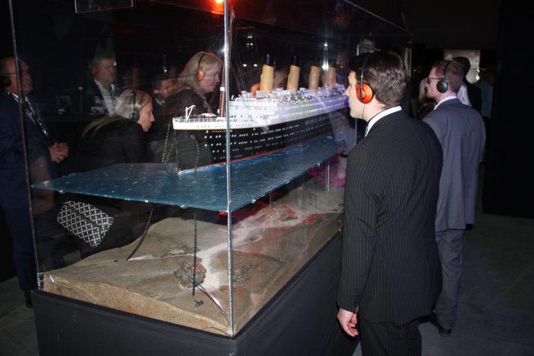titanic-besokare